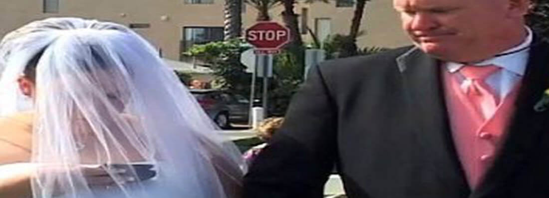 bride changes relationship status on the alter